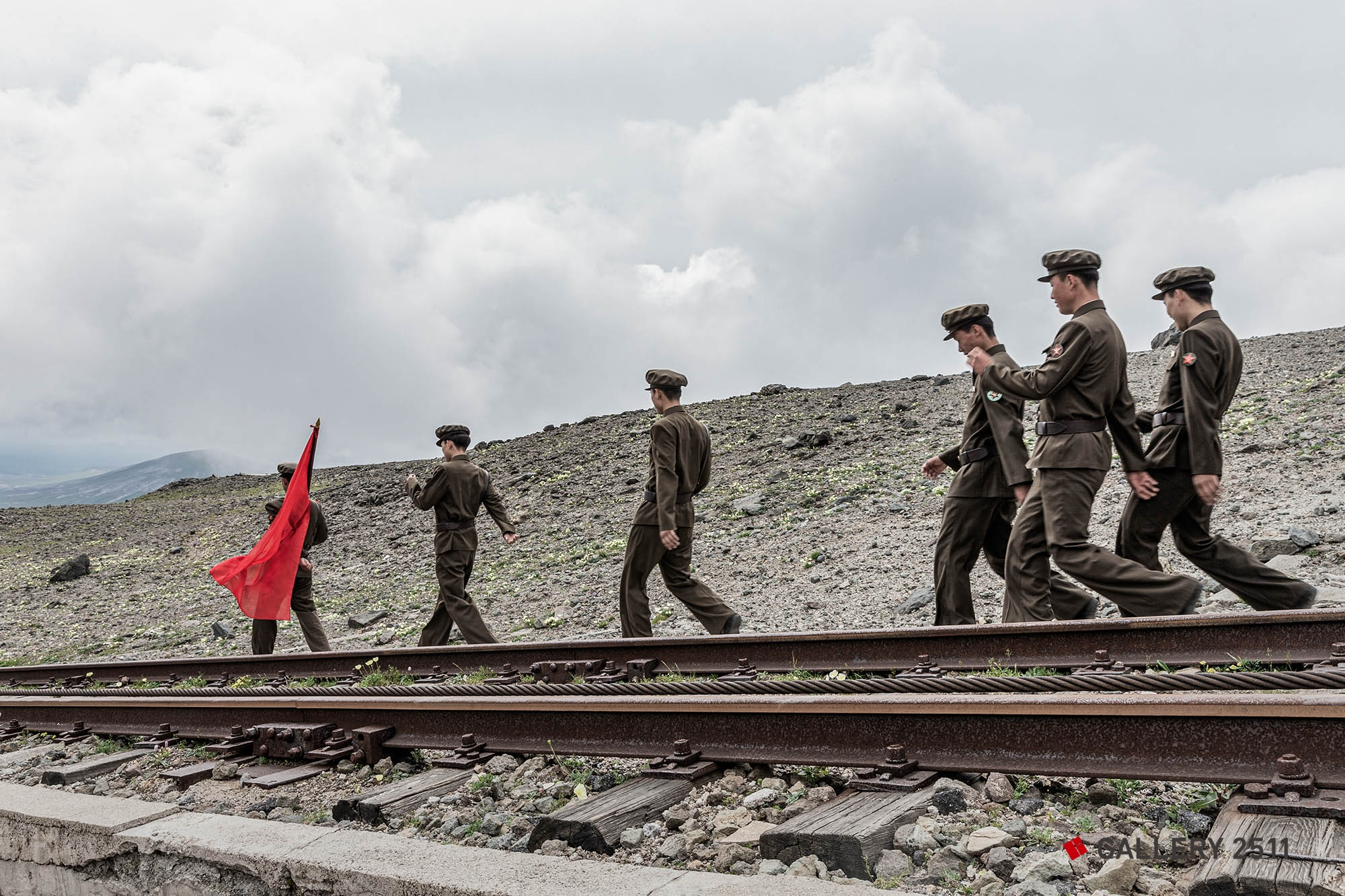 03.Soldiers walking along the railroad tracks 2015/07